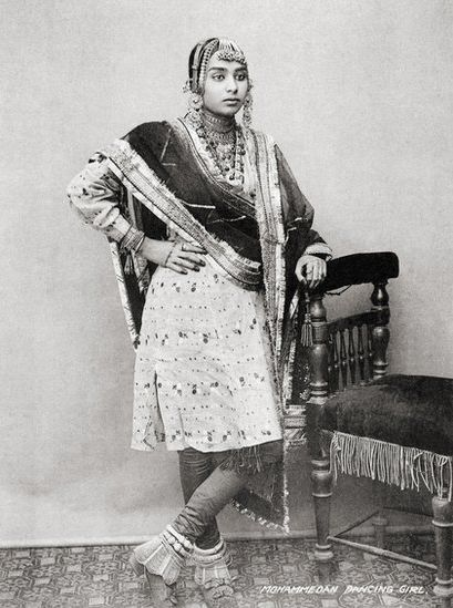 muslim dancer in 1900